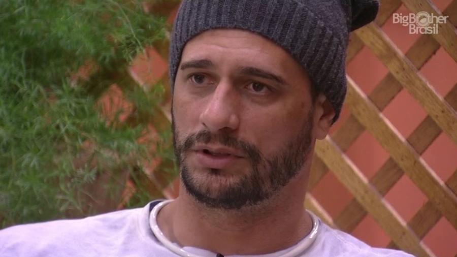 Daniel avisa Marinalva que votará nela antes de indicar Vivian - Reprodução/TV Globo