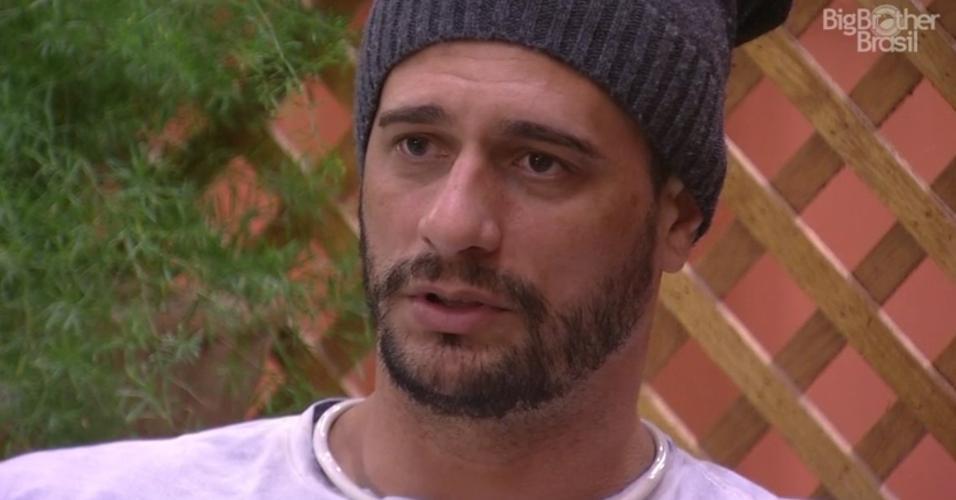Daniel avisa Marinalva que votará nela antes de indicar Vivian