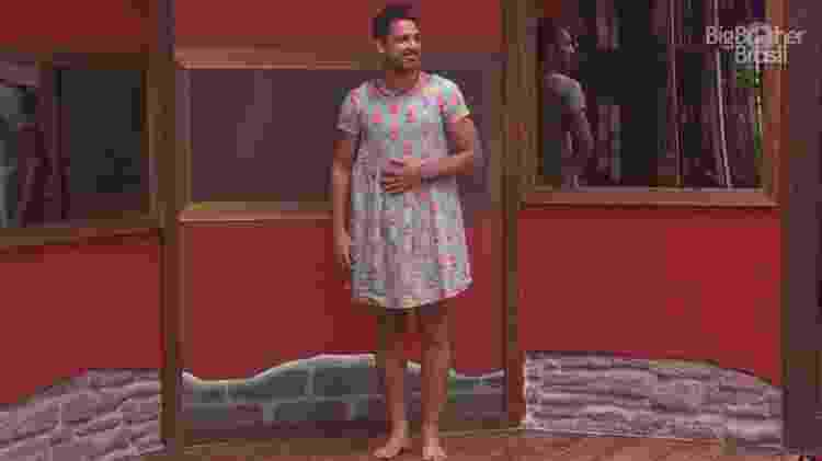 Luiz Felipe usa vestido de Pedro e maquiagem das sisters - Reprodução/TV Globo - Reprodução/TV Globo