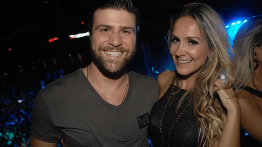 Ié Ié prestigiando a noite de São Paulo com a ex-esposa Júlia Bressan: quem shippa? - Reprodução