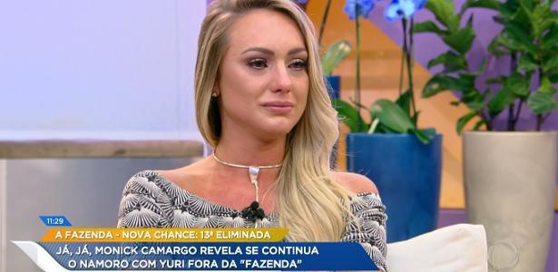 """Monick Camargo chora no programa """"Hoje em Dia"""""""
