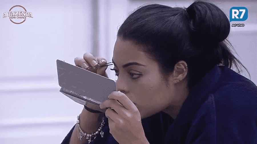 Monique Amin reclama de estrias - Reprodução/R7