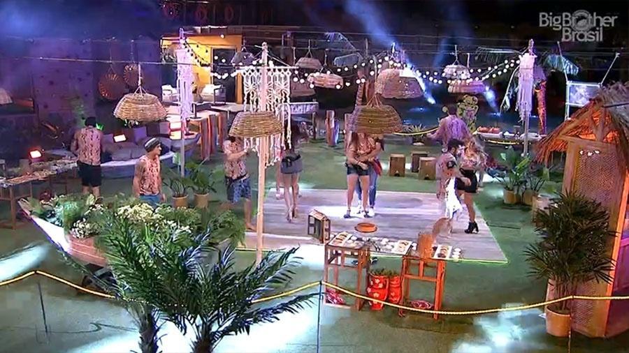 """Brothers dançam na segunda festa do """"BBB18"""" - Reprodução/GloboPlay"""
