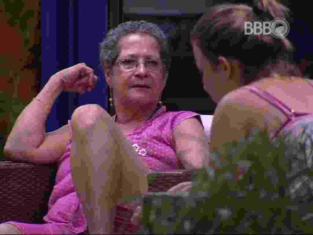 4.mar.2016 - Geralda e Maria Claudia tentam resolver desavenças - Reprodução/TV Globo