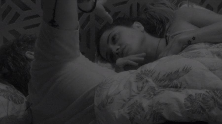 Breno e Paula conversam sobre o paredão antes de dormir - Reprodução/GloboPlay