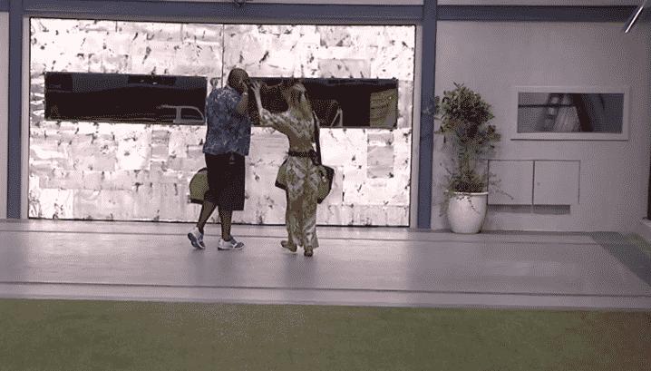 """24.jan.2016 - Fernanda e William saem juntos e comemorando o tempo que tiveram na casa do """"BBB16"""" - Reprodução/TV Globo"""