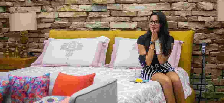 """No lado """"mexicano"""" da casa, Emilly descobre que não foi eliminada do """"BBB17"""" - Paulo Belote/Divulgação/TV Globo"""