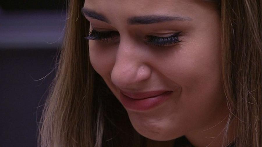 Vivian chora após a eliminação de Marinalva - Reprodução/Gshow