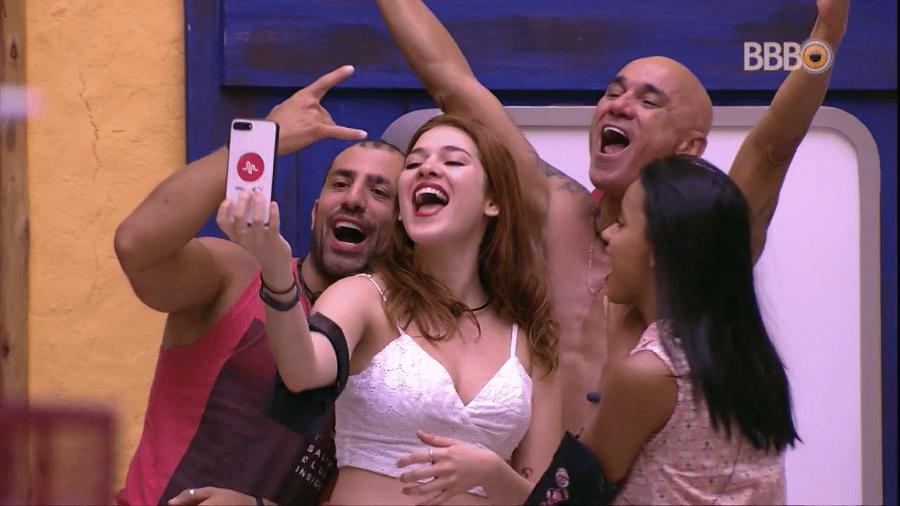 """Família Lima, Gleici e Kaysar são os finalistas e participantes que tiveram as maiores torcidas desde o início do """"BBB18"""" - Reprodução/GlobosatPlay"""