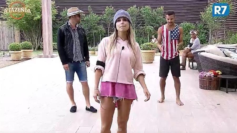 Marcelo, Flávia e Matheus ensaiam coreografia - Reprodução/R7