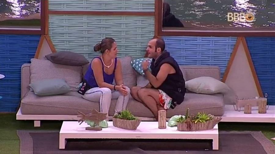 Patrícia e Mahmoud fazem as pazes - Reprodução/GloboPlay