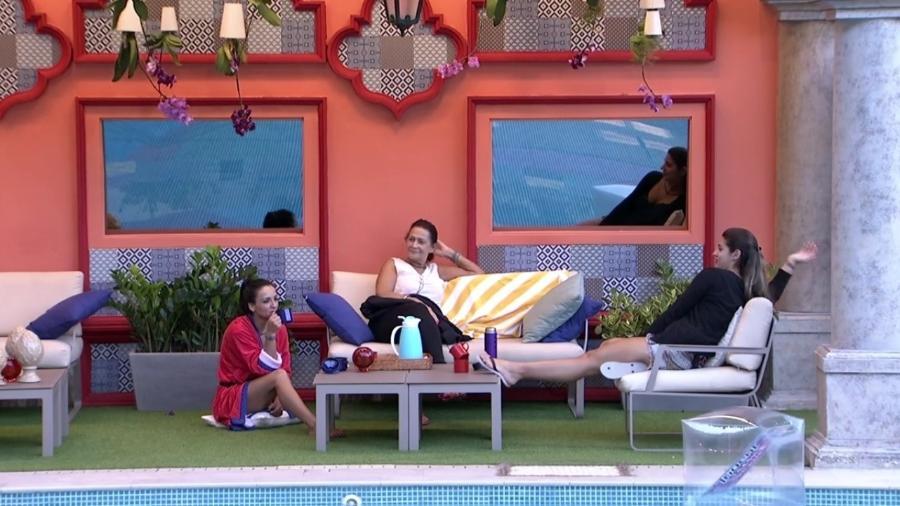 """Vivian fala sobre Marcos: """"Não tem nada contra mim, porque sou bonitinha"""" - Reprodução/TV Globo"""