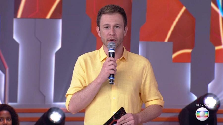Tiago Leifert fala com o público antes do terceiro paredão - Reprodução/TvGlobo