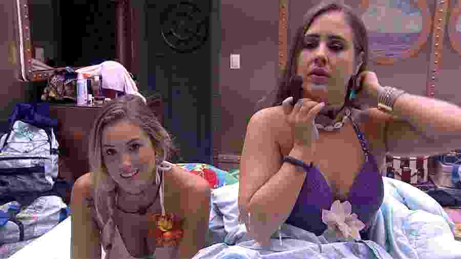 "Na noite da festa ""Havaí"", Jéssica aconselha Patrícia - Reprodução/GloboPlay"