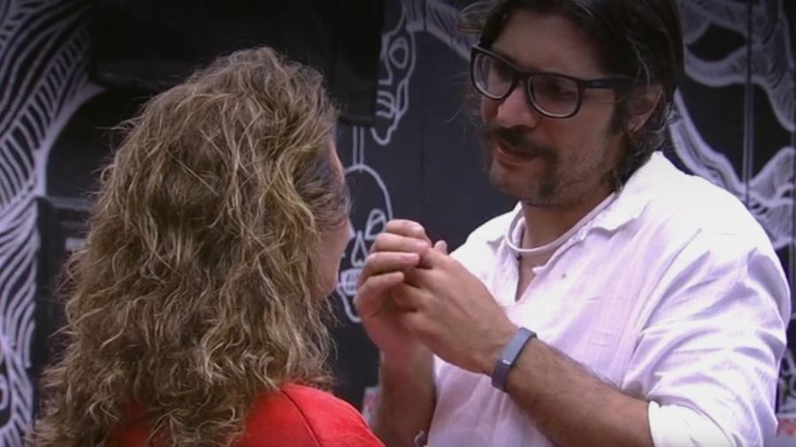 Ilmar se despede dos colegas de confinamento - Reprodução/TV Globo