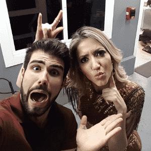 5.abr.2016 - Fernanda tira foto com Juliano Laham na Central Globo de Televisão - Reprodução/Instagram/fernandaliberatoreal