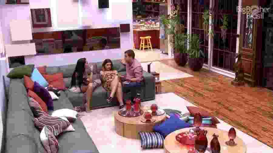 Vivian, Manoel e Mayara falam sobre paredão - Reprodução/TV Globo