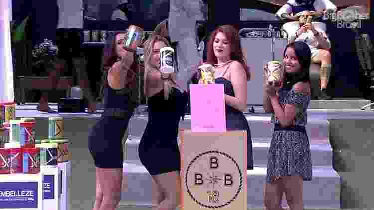 Sisters no dia de beleza - Reprodução/GloboPlay - Reprodução/GloboPlay