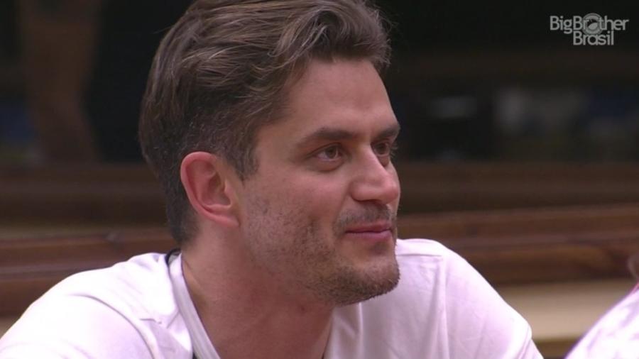 """10.fev.2017 - Marcos, participante do """"BBB17"""" - Reprodução/TV Globo"""
