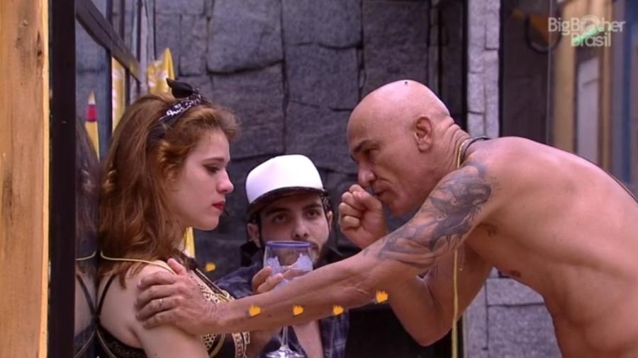 Ayrton dá broca em Ana Clara  - Reprodução/Globoplay