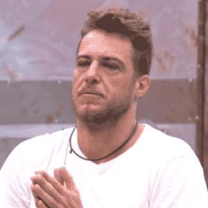 """27.jan.2016 - Daniel fala para Ronan não deixar de ser quem ele é no """"BBB16"""" - Reprodução/TV Globo"""