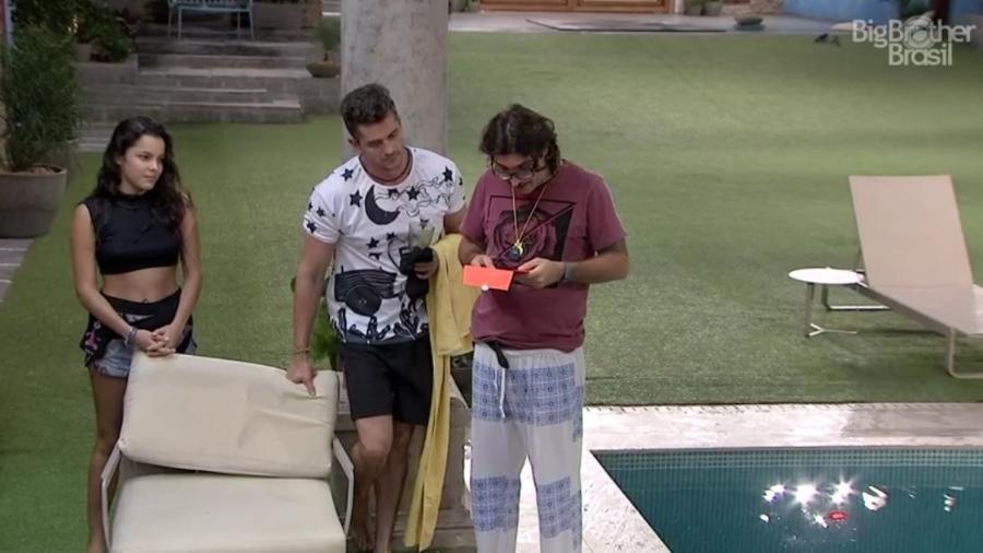 Ilmar convida Emilly e Marcos para o happy hour do líder - Reprodução/ TV Globo