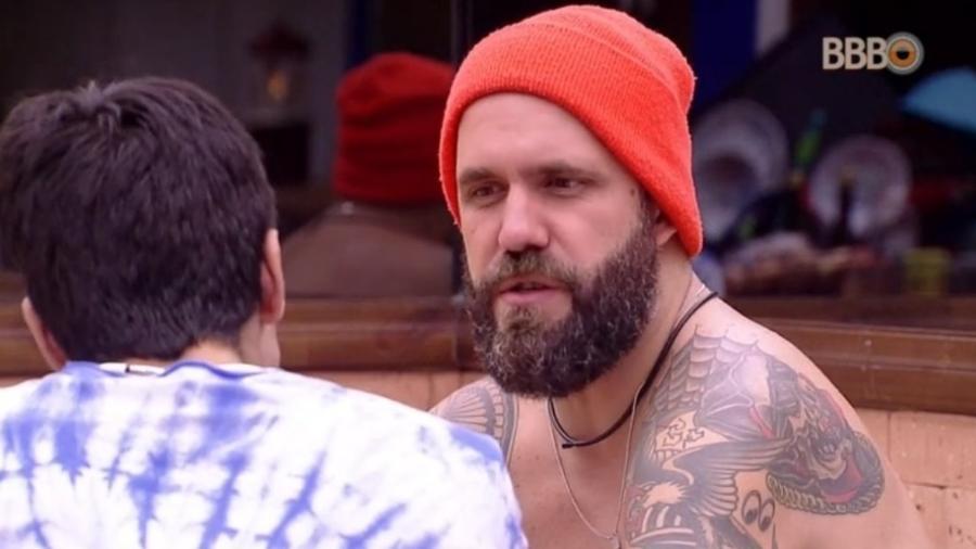 Caruso se desculpa com Lucas  - Reprodução/Tv Globo