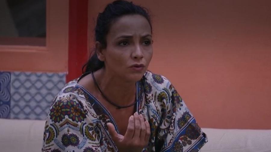 Marinalva se irrita com Emilly - Reprodução/TV Globo