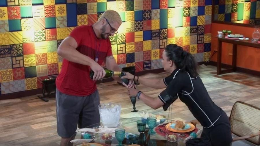 Daniel e Marinalva brindam em almoço especial do anjo - Reprodução/TVGlobo