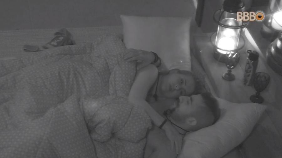 Kaysar e Patrícia trocam declarações no quarto do líder - Reprodução/GlobosatPlay