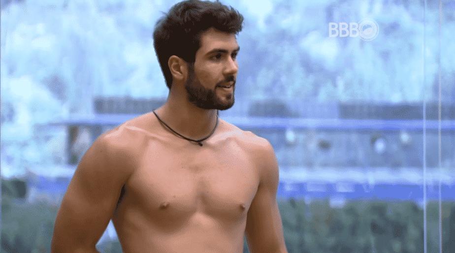 19.mar.2016 - Matheus diz que gentiliza de Laham é charme - Reprodução/TV Globo