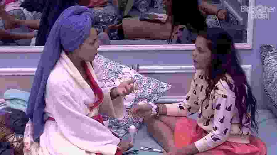 Mayla e Emilly falam sobre a mãe no quarto azul - Reprodução/Tv Globo