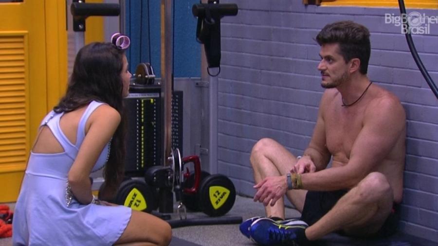 """Marcos e Emilly discutem na academia do """"BBB17"""" - Reprodução/TVGlobo"""