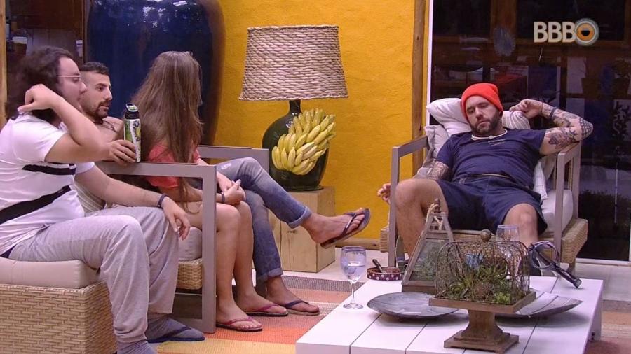 Caruso fala mal de Gleici para outros brothers - Reprodução/GlobosatPlay