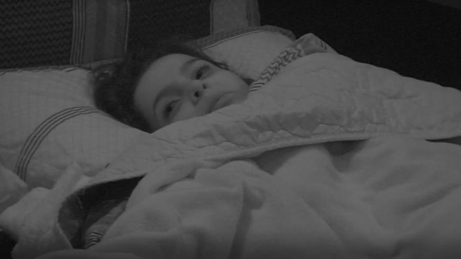 """Emilly tem noite insone depois de expulsão de Marcos do """"BBB17"""" - Reprodução/TVGlobo"""