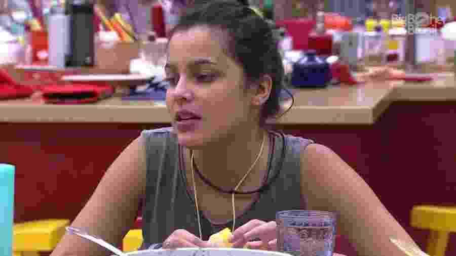 Emilly diz que ansiedade lhe faz comer mais - Reprodução/ TV Globo