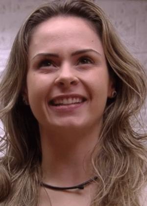 Ana Paula se sagrou como a personalidade carismática de uma telenovela artificialmente real - Reprodução/TV Globo