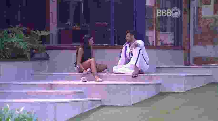 6.fev.2016 - Daniel diz à Juliana que Renan se arrependeu de beijar Munik - Reprodução/TV Globo