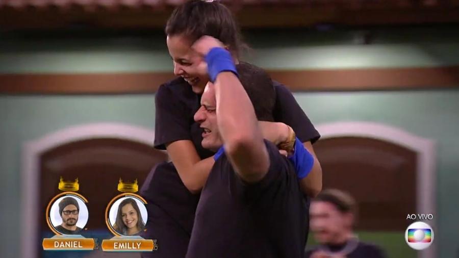 Emilly e Daniel comemoram a liderança compartilhada - Reprodução/TV Globo