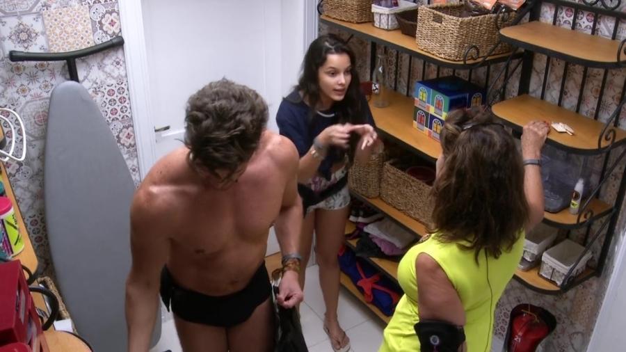 Emilly diz para Ieda que brothers não se importam que ela seja eliminada  - Reprodução/TV Globo