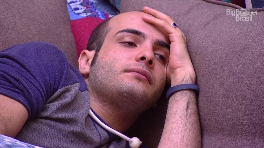 Mahmoud ouve a punição sendo anunciado pela produção do programa  - Reprodução/GloboPlay