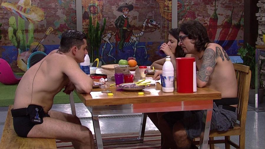 """Marcos fala sobre paredão com Ilmar e Emilly no """"BBB17"""" - Reprodução/TV Globo"""