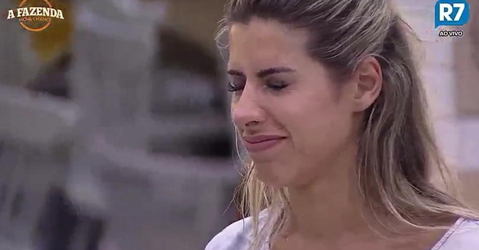 Ana Paula Minerato se arrepende da bebedeira na festa
