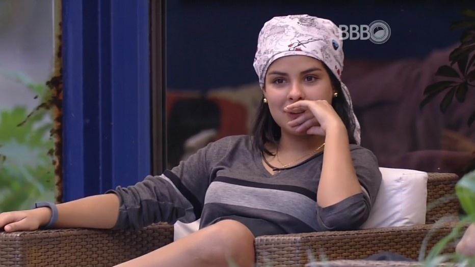 1.abr.2016 - Lembrando da briga de Renan e Ana Paula, Munik diz para dona Geralda: