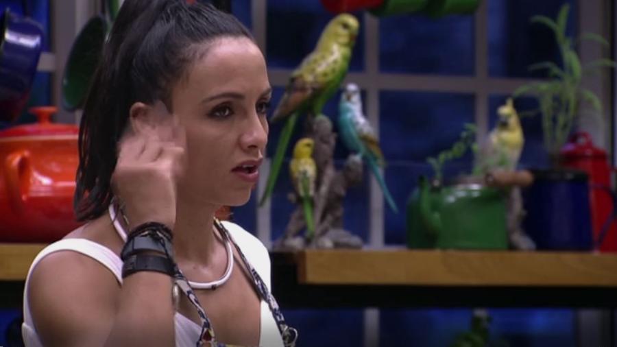 Marinalva reclama do lado mexicano - Reprodução/TV Globo