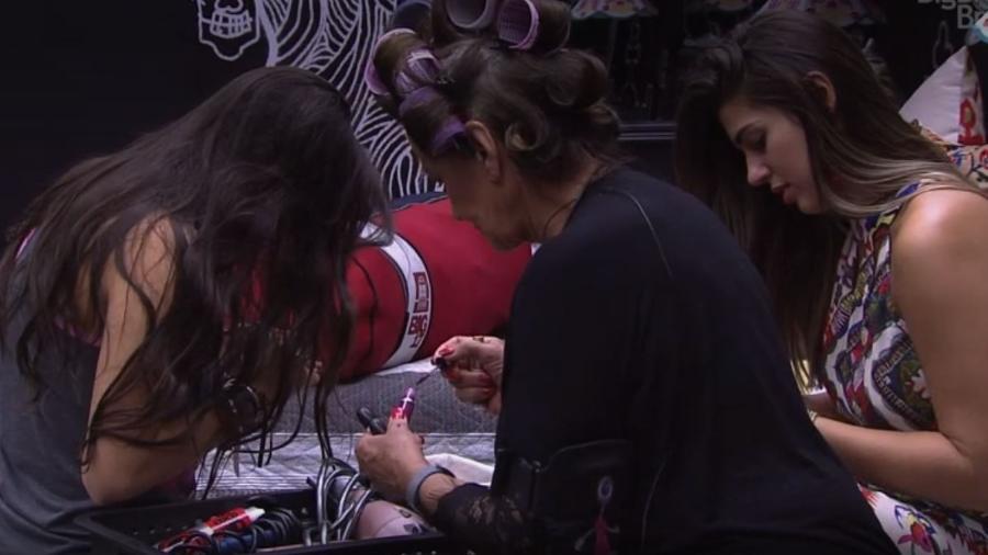 """Sisters recebem kit de beleza para final do """"BBB17"""" - Reprodução/TV Globo"""