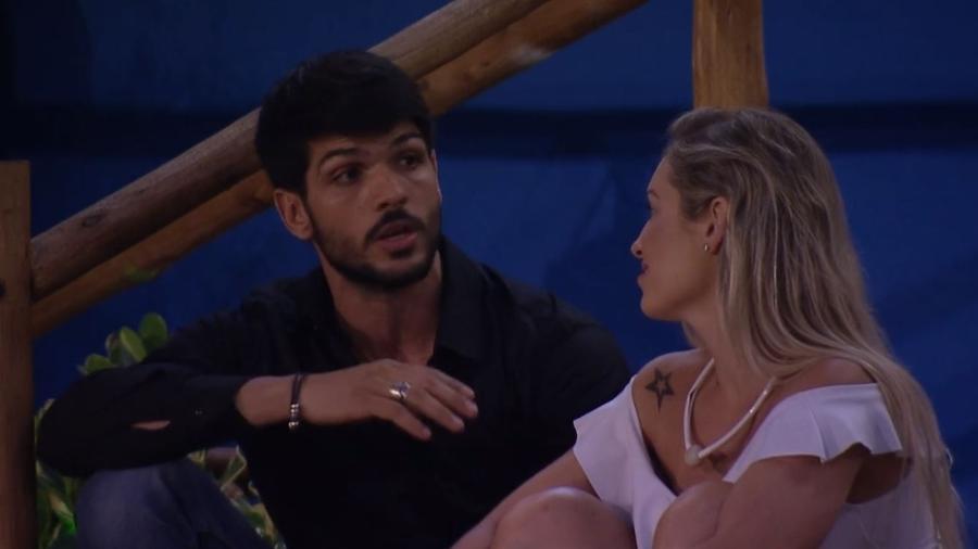 Lucas reclama com sister sobre comportamento de Ayrton - Reprodução/GloboPlay