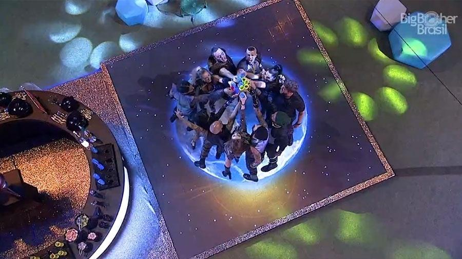 "Brothers brindam na festa ""Intergalática"" - Reprodução/GloboPlay"