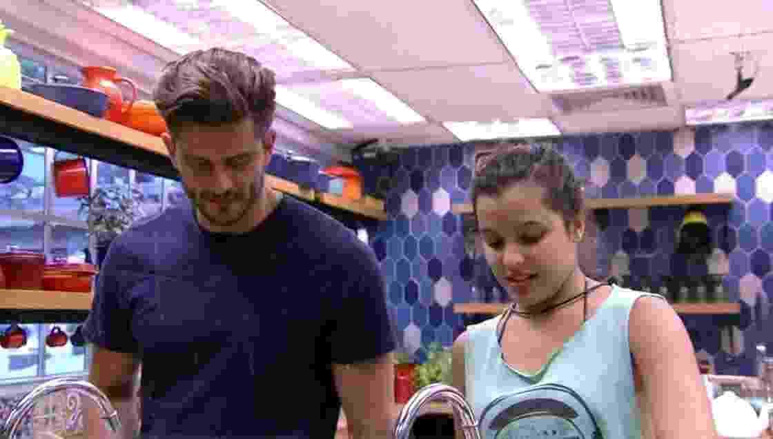 Emilly diz que Roberta não demonstrou se importar com ela - Reprodução/TV Globo
