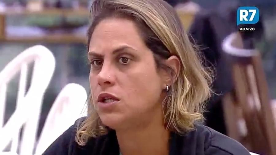 Aritana revela que foi parar no hospital após sofrer acidente surfando - Reprodução/R7